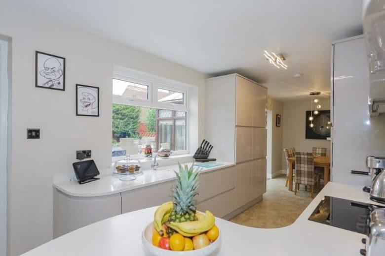 Grangetown-kitchen-light-grey