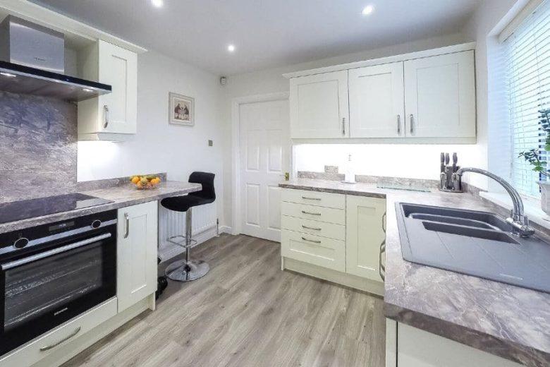 kitchen-units-cream-dragonville
