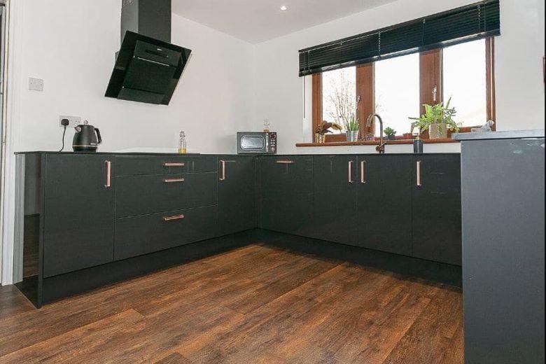 high-gloss-dark-grey-kitchens
